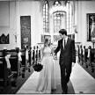 fotografie ślubne wyjście z kościoła