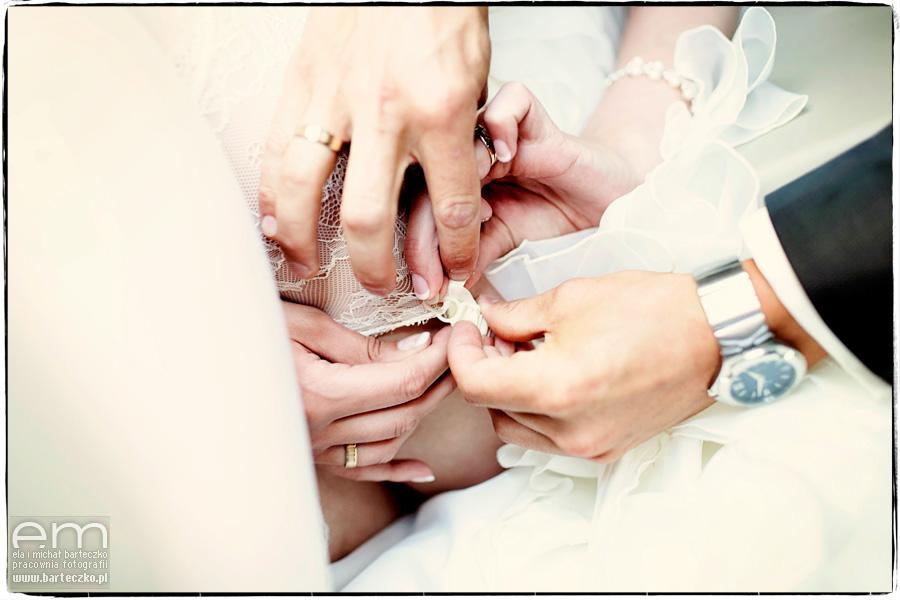 pończochy do ślubu